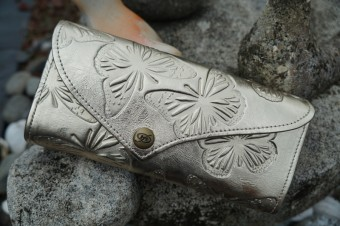 Clutch - Silvery Gold Butterfly image